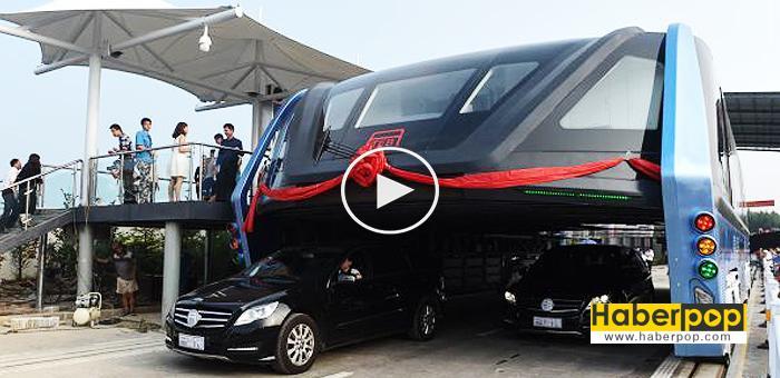 Arabaların-zerinden-giden-'Yükseltilmiş-Otobüs'-seferlere-başladı-haberi-videosu