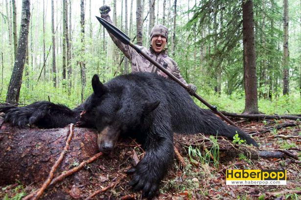 Mızrakla-ayıyı-öldüren-genç-adam
