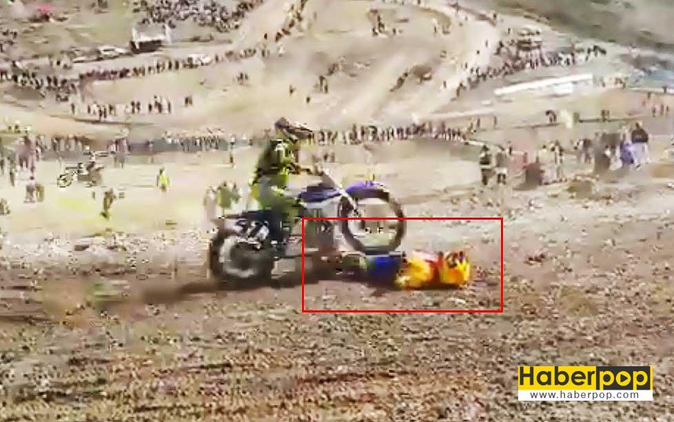 motosiklet-kazasi-geciren-sporcu-rakipleri-tarafindan-ezildi-videosu-izle