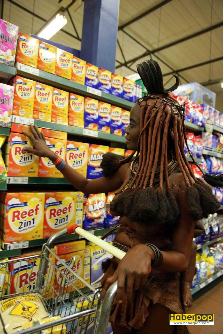 Yerli-kadın-markette-alışveriş-yaparken-görüntülendi-ilgianç-haberleri