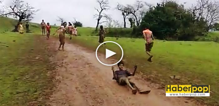 çamurda-kayan-çocukaların-keyfivideosu-izle-oku