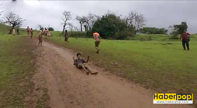 çamurda-kayan-çocukaların-keyfivideosu