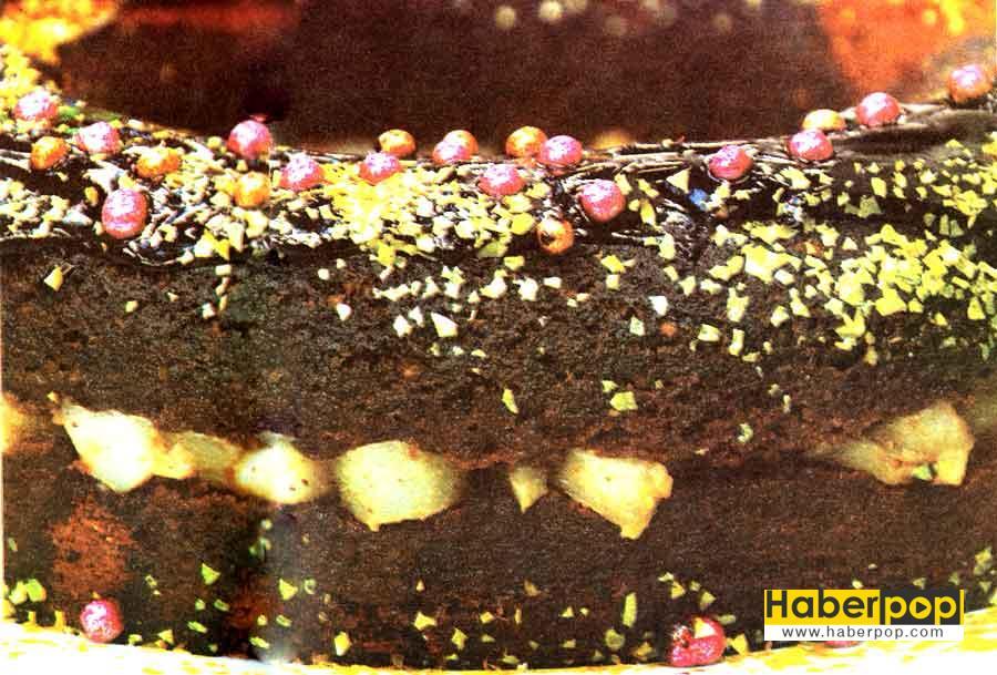 Çikolatalı Armutlu Islak Kek Tarifi