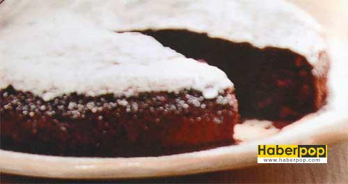 cikolatali-ve-Bademli-Kek-Tarifi-islak-kek-kakaolu-kek-tarifleri-nefis-videolu