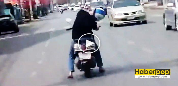 motosiklet-surucusu-direksiyonda-uyursa-videosu